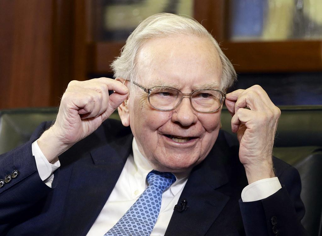 How To Invest Like Warren Buffett - Procure Accounting
